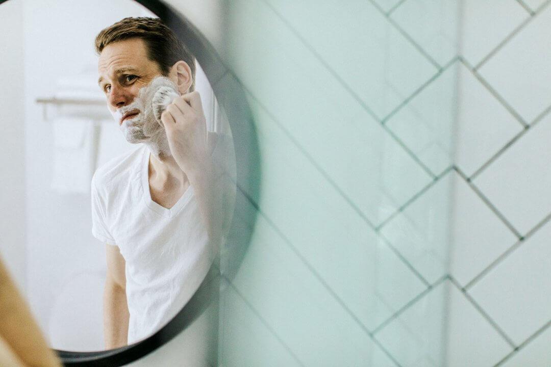 Waarom je je baard moet afscheren