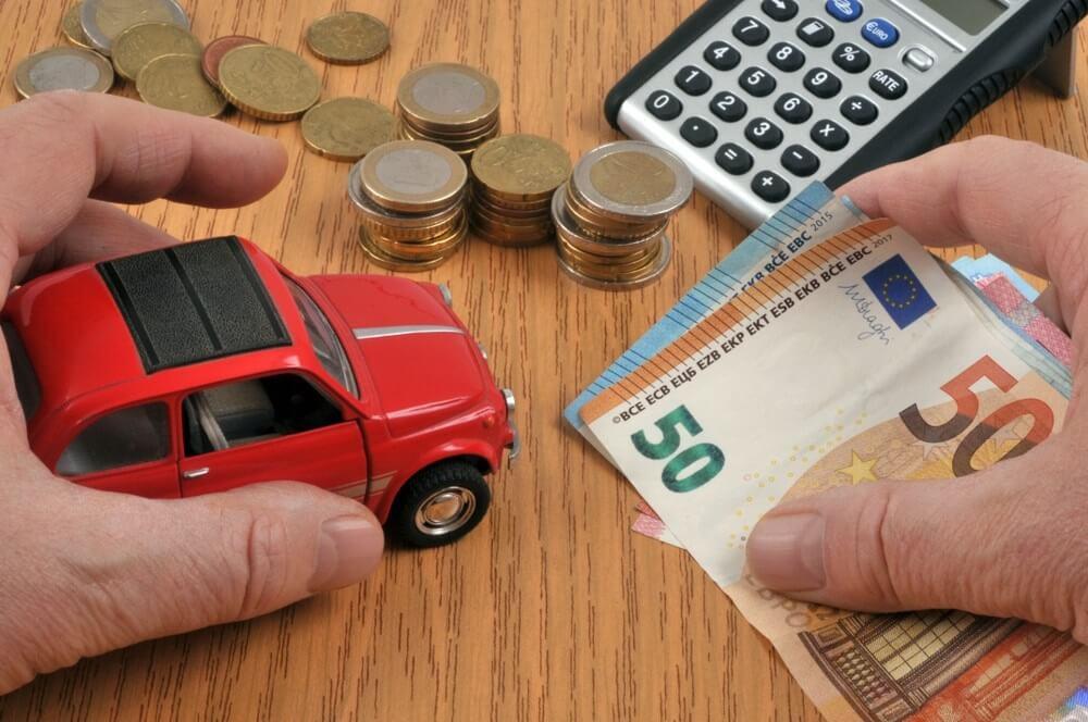 3 manieren om te besparen op je auto